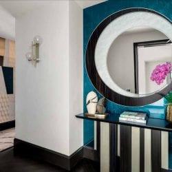 Luxus lakás bejárata SICIS Vetrite falburkolattal